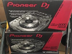 2 pioneer cdj 2000 nexus with pioneer djm 900
