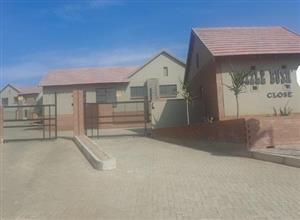 Three bed duplex for rent at Wild Olive Estate, Bloemfontein