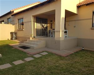3 Bedroom Townhouse for Sale in Mooikloof Ridge