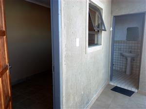 ROOM FOR RENTAL TSUTSUMANI VILLAGE ALEXANDRA , NO PARKING SPACES