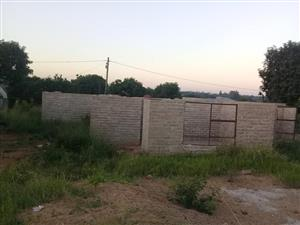 Incomplete ten roomed house for sale at shayandima thohoyandou water and electricity available.. Call 0798181860