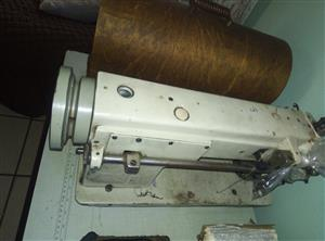 typical industrial walking foot sewing machine as you see in the picture the machine is not working needs assembling