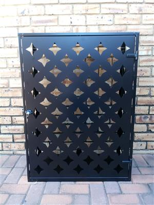 Stylish cages for keeping your gas cylinders outside the house. SPECIAL AT LAST YEARS PRICES!!