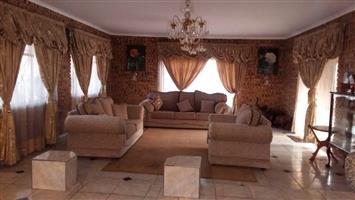 Dalia juraans Furni Cairo Lounge suit for sale