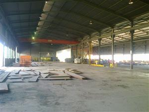 2301m2 factory with crane to let in Germiston