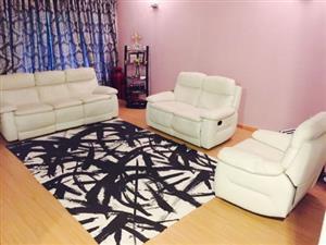 White Lounge Suite