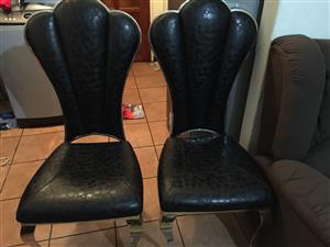 Selling  6 dining chairs
