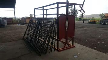 On wheels Complete Cattle Body Clamp / Neck Clamp Scale