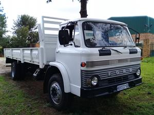 FORD 8 TON DROPSIDE TRUCK FOR SALE