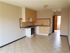 Immaculate bachelor unit for sale in Wonderpark Estates