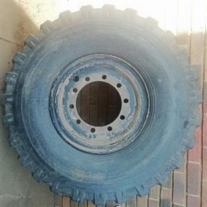 Tyre for sale. New 14.00 - 20