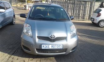 2010 Toyota Yaris 1.0 3 door T1