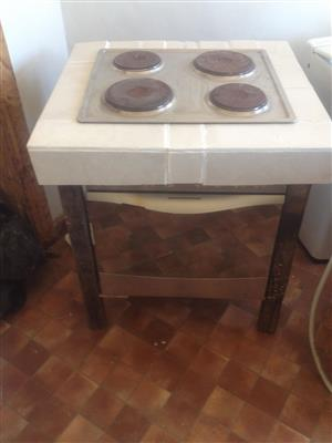 Oven and Hob BALAY in very good working order plus a   Unfinished Project and usable Stand