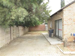 Garden Flat, Private Property in Pretoria, Rietfontein.(Moot)