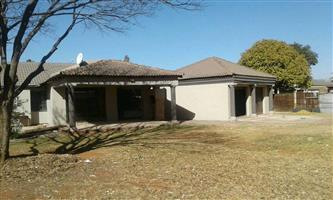 Family Home to Rent in Old Dawn Park