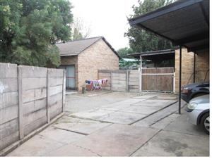 Garden Flat, on Private Property in Pretoria, Rietfontein.(Moot)