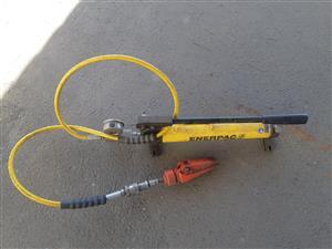 Hydraulic porta packs
