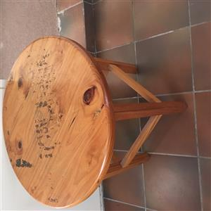 Pine Table round R200