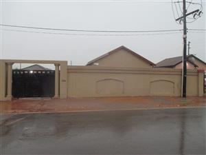 2 Bedroom House to Rent in Bram Fischerville Braam Fischerville Phase 4, Bram Fischerville, Soweto.