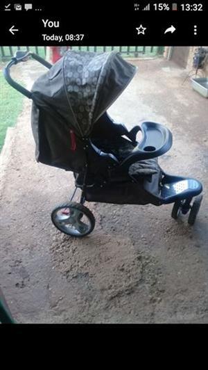 Chelino 3 wheel pram