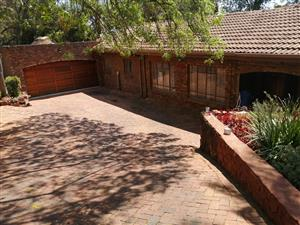 Secure Home in Waterkloof Glen