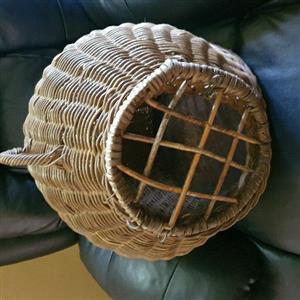 Antique cennel