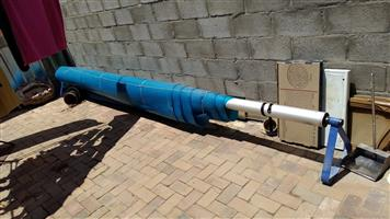 Used but very good Aluminium rollup pool station with geobubble water saving pool cover for sale