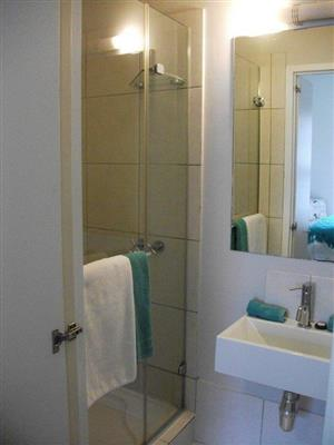 One Bedroom Apartment in Piazza - st John's road - Sea Point