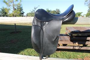 "County Dressage Saddle 16.5"""
