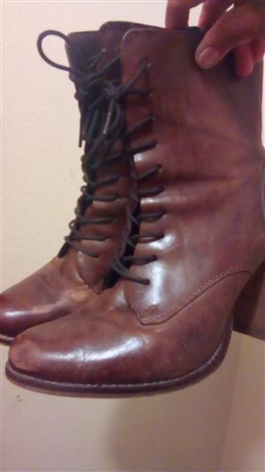 Geniune Leather boots for Sale
