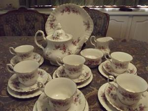 Royal Albert Lavender Rose 23 piece tea set