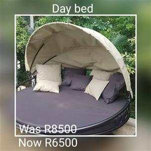 Day bed for sale