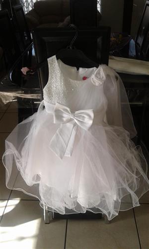 Stunning kiddies party dress, brand new