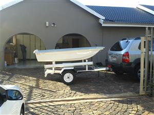 3 METER BOAT ON A UNLICENCED TRAILER