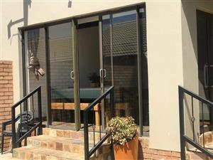 Beautiful Simplex for Sale in Mooikloof Ridge!
