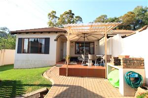 2 Bed Townhouse for sale in Lonehill