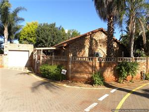 Nice big 2 bedroom house in complex with lapa.