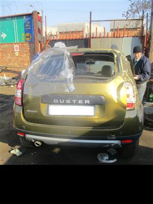 RENAULT DUSTER 1.6 DUYNAMIQUE 2018 stripping for spares !!