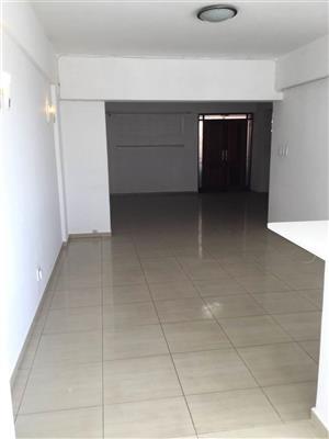 Craighall Park - Lovely 2 bedrooms 1 bathroom 1st floor unit available R10000