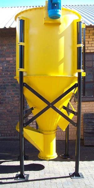 ELECTRICAL VERTICAL FEED MIXER MANUFACTURES