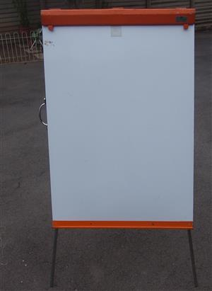 White Board / Flip Chart Stand - Metal - In excellent condition