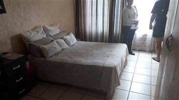 Een Slaapkamer Woonstel te huur in Klerksdorp - La Hoff
