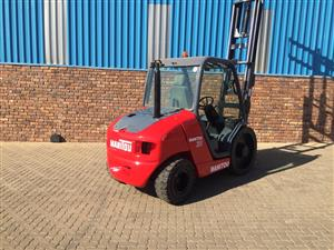 Manitou 3 ton diesel rough terrain Job-331