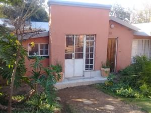 Inside rooms to let in Bordeaux, Randburg