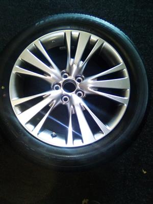 19 inch Lexus rim only, for R2000.
