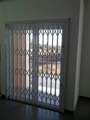 Trellis, slam-lock security gates