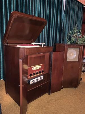 GEC/Osram 912 record player system with matching metal-cone loudspeaker (1955 vintage)