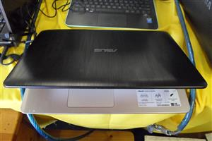 Asus X541SA Laptop