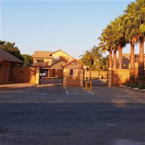 Glen Marais - 3 bedrooms 3 bathrooms townhouse available R14000