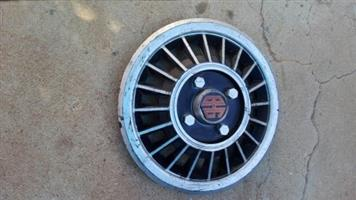 Wheel cap for older caravan / trailer